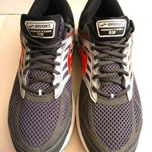 Brooks Mens Addiction 13 low top sneakers sz 15